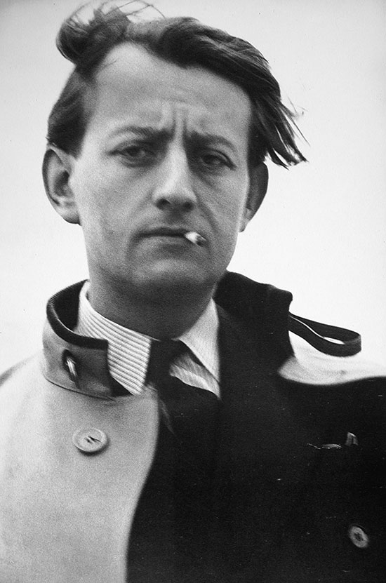 Andre Malraux na tarasie mieszkania Gisèle Freund, Paryż 1935, © bpk / IMEC, Fonds MCC / Gisèle Freund (źródło: materiały prasowe MNK)