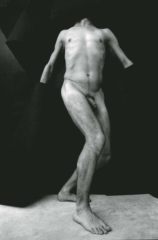"""Stasys Eidrigevicius, """"Czarne szaty"""", 2006 (źródło: materiały prasowe organizatora)"""