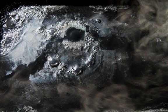 """Robertas Narkus, """"Turbulencja 3"""", instalacja, 2014 (źródło: materiały prasowe organizatora)"""