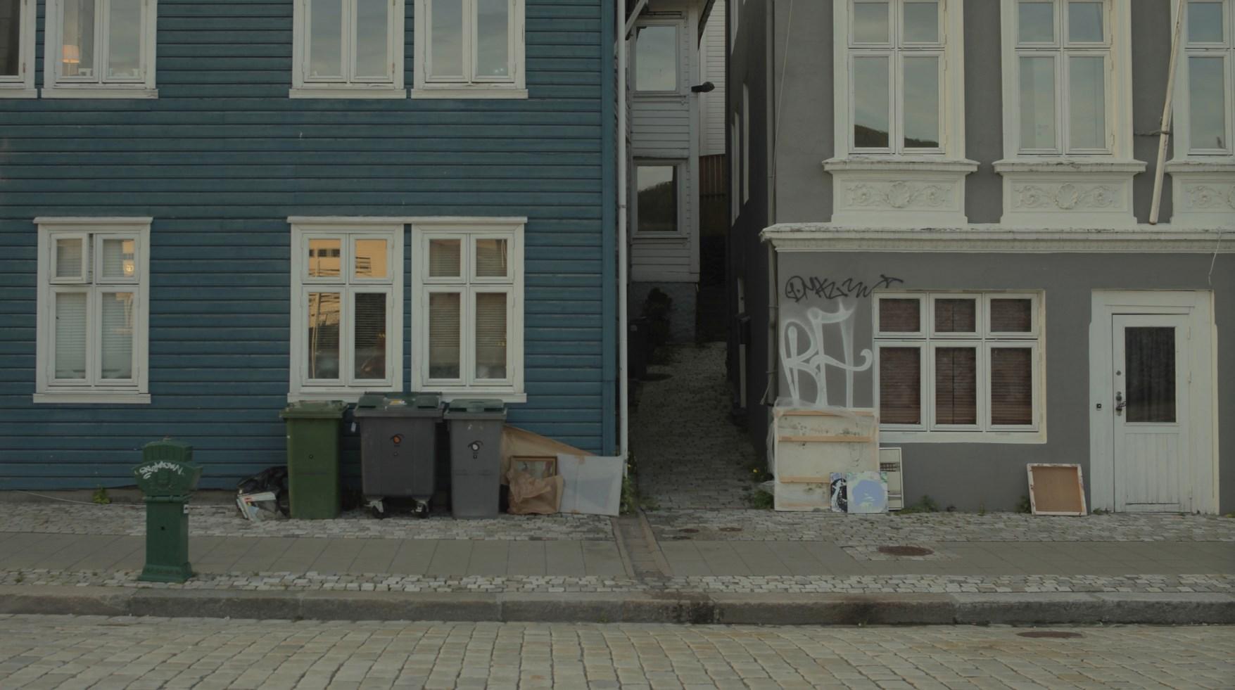 """Karolina Breguła, """"Fire-Followers"""", wideo, 2013 – dzięki uprzejmości artystki i galerii lokal_30 (źródło: materiały prasowe organizatora)"""