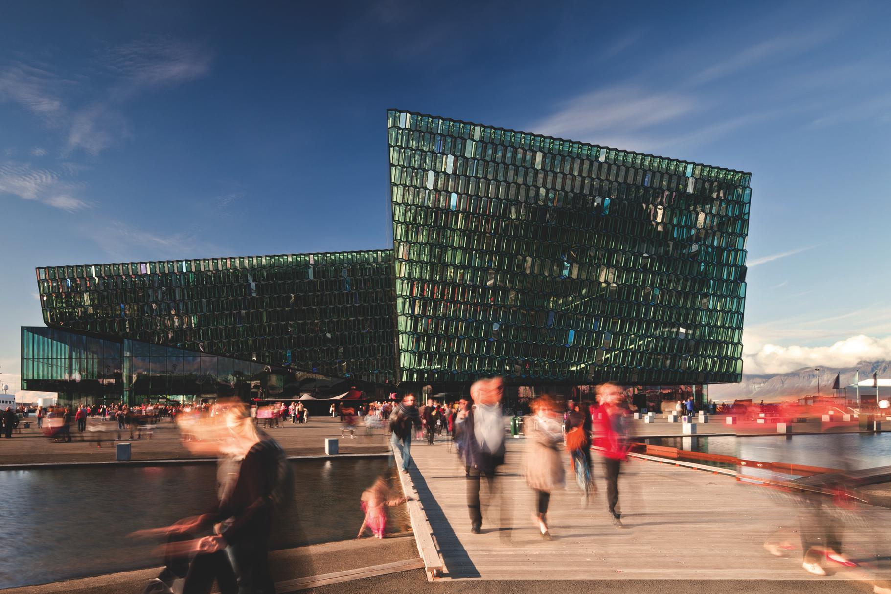 Henning Larsen Architects i Studio Olafur Eliasson, Sala koncertowa Harpa, Nagroda Unii Europejskiej w dziedzinie architektury współczesnej – Mies van der Rohe Award, 2013 (źródło: materiały prasowe organizatora)