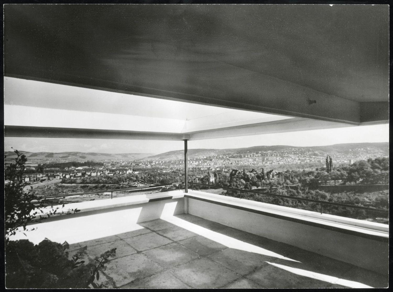 fragment tarasu w budynku projektu Le Corbusiera na osiedlu Weissenhof © Stadtarchiv Stuttgart Heike van der Horst (źródło: materiały prasowe organizatora)