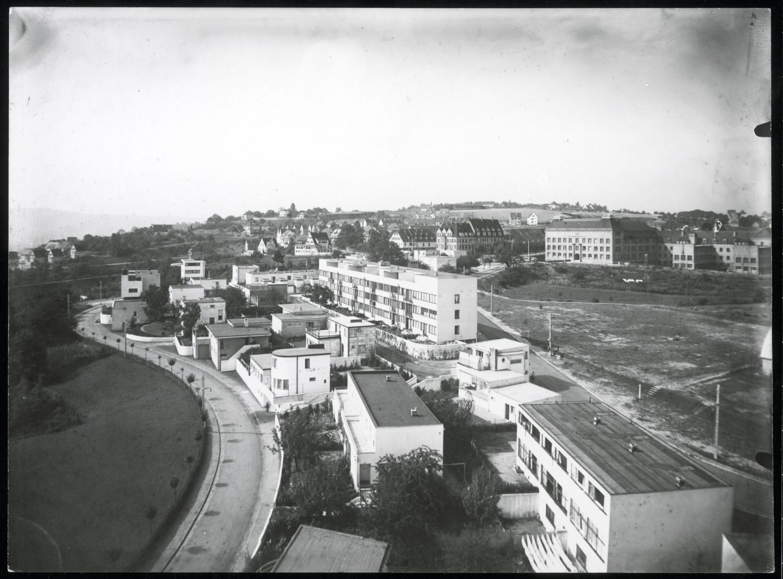 Widok osiedla Weissenhof, fotografia, 1927 © Stadtarchiv Stuttgart Heike van der Horst (źródło: materiały prasowe organizatora)
