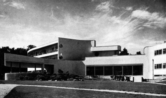 """Dom nr 31, dom hotelowy dla osób samotnych i małżeństw bezdzietnych, widok od ogrodu, proj. Hans Scharoun © """"Die Form"""" 1929, s. 463 (źródło: materiały prasowe organizatora)"""