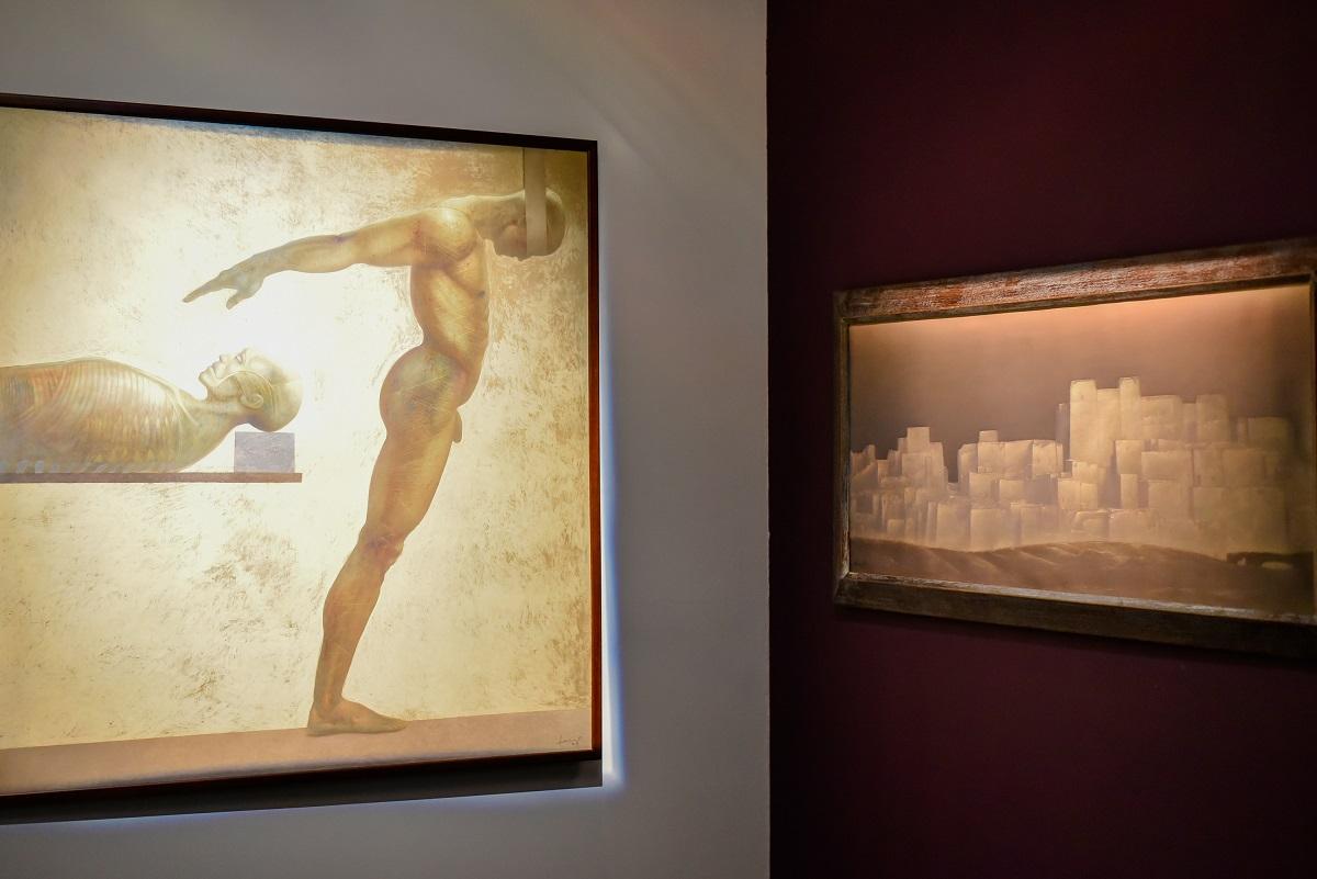 """""""Beksiński. Drugie Muzeum"""" – obrazy Michaela Henricot'a na wystawie w Miejskiej Galerii Sztuki w Częstochowie (źródło: materiały prasowe organizatora)"""