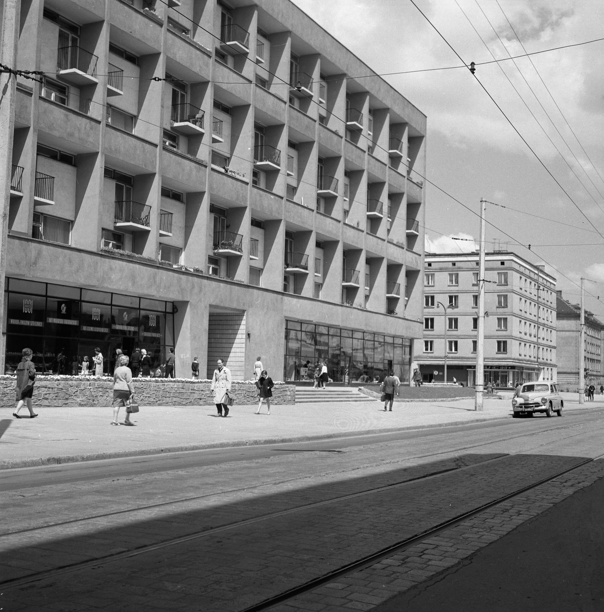 Galeriowiec, ul. Kołłątaja, 1962 (projekt 1956), fot. Tomasz Olszewski, zbiory: Muzeum Miejskie Wrocławia (źródło: materiały prasowe organizatora)