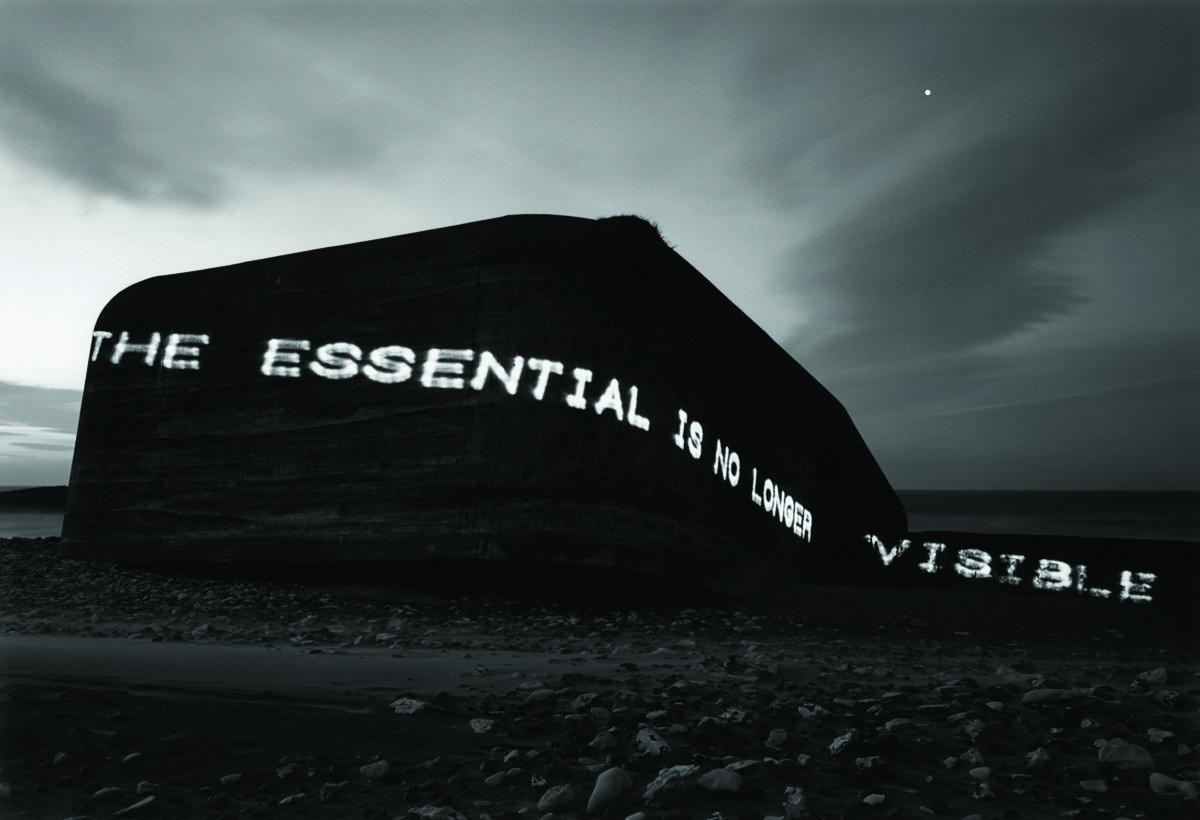 """Magdalena Jetelová, """"The Essential Is No Longer Visible"""", 1995 (2011), lightbox © Muzeum Współczesne Wrocław (źródło: materiały prasowe organizatora)"""