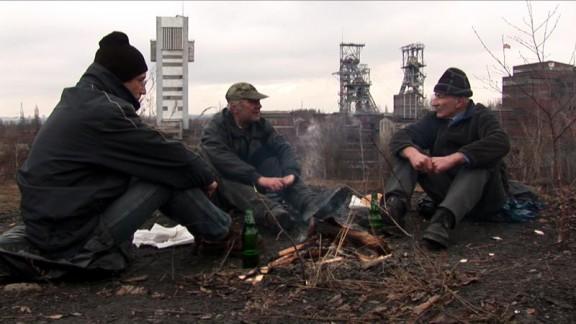 """Anna Molska, """"The Weavers"""", 2009, wideo (źródło: materiały prasowe organizatora)"""