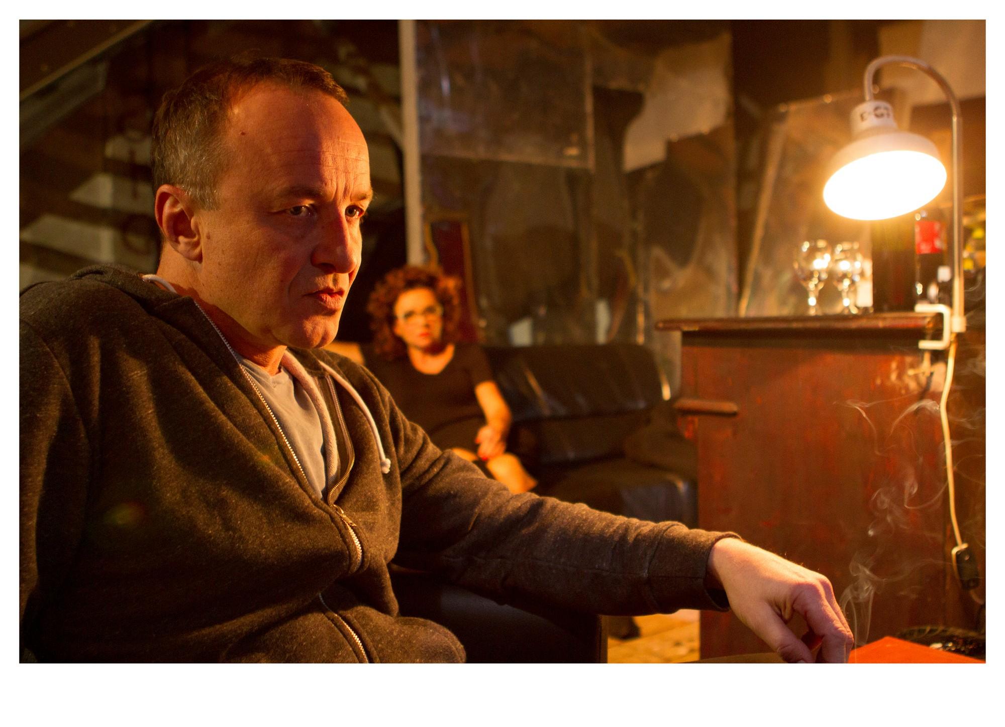 """Tadeusz Różewicz: """"Kartoteka"""", reż. Marcin Kalisz, fot. Sebastian Strama (źródło: materiały prasowe WTW)"""