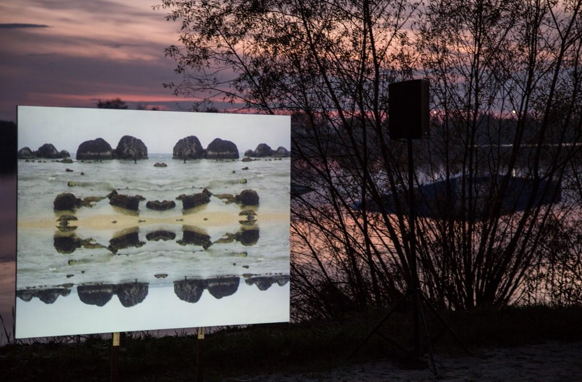 """Bogusław Bachorczyk, """"Sierpniowe wieloryby"""", fot, Jan Bujnowski (źródło: materiały prasowe organizatora)"""