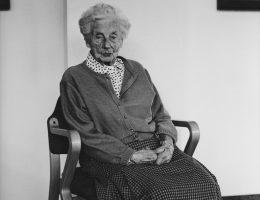 "Hans-Peter Feldmann, ""Maria Victoria, 100 lat"", z cyklu 100 lat, fotografia barytowa, © VG Bild/Kunst, Bonn for H.-P. Feldmann (źródło: materiały prasowe organizatora)"