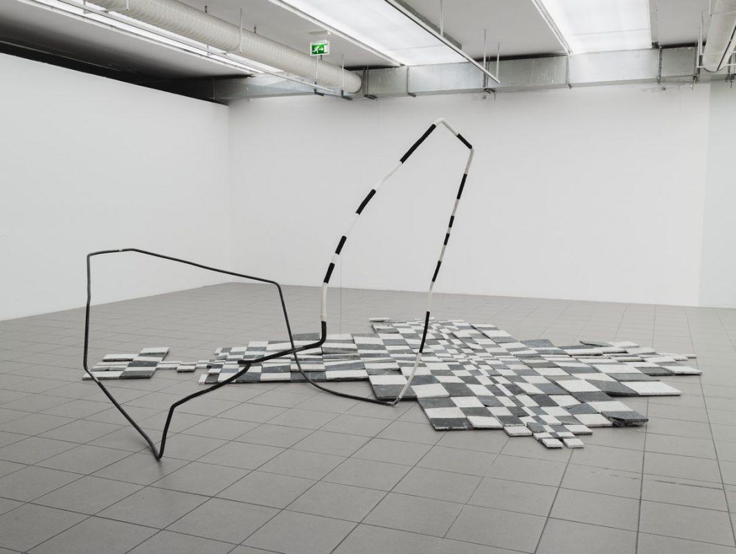 """Alicja Bielawska, """"Gdy znikną detale zostanie falowanie przestrzeni"""", 2016, fot. Barbara Kubska (źródło: materiały prasowe organizatora)"""