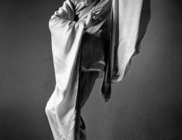 """Henryk Tomaszewski w kostiumie z baletu """"Czerwony Mak"""", 1952 (źródło: materiały prasowe muzeum)"""