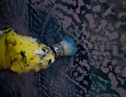 """Iwona Zając, """"Ziemia domaga się ciała"""", fot. Magda Małyjasiak, dzięki uprzejmości artystki (źródło: materiały prasowe)"""
