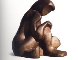 """Katarzyna Kobro, """"Akt siedzący"""", 1984-1989, brąz, fot. Filip Klin (źródło: materiały prasowe organizatora)"""