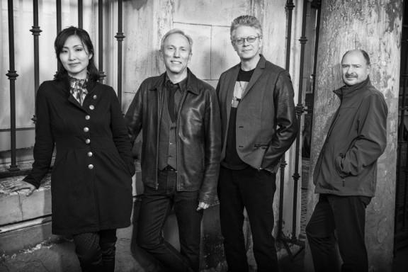 Kronos Quartet, od lewej: Sunny Yang, Hank Dutt, David Harrington, John Sherba, fot. Jay Blakesberg (źródło: materiały prasowe organizatora)