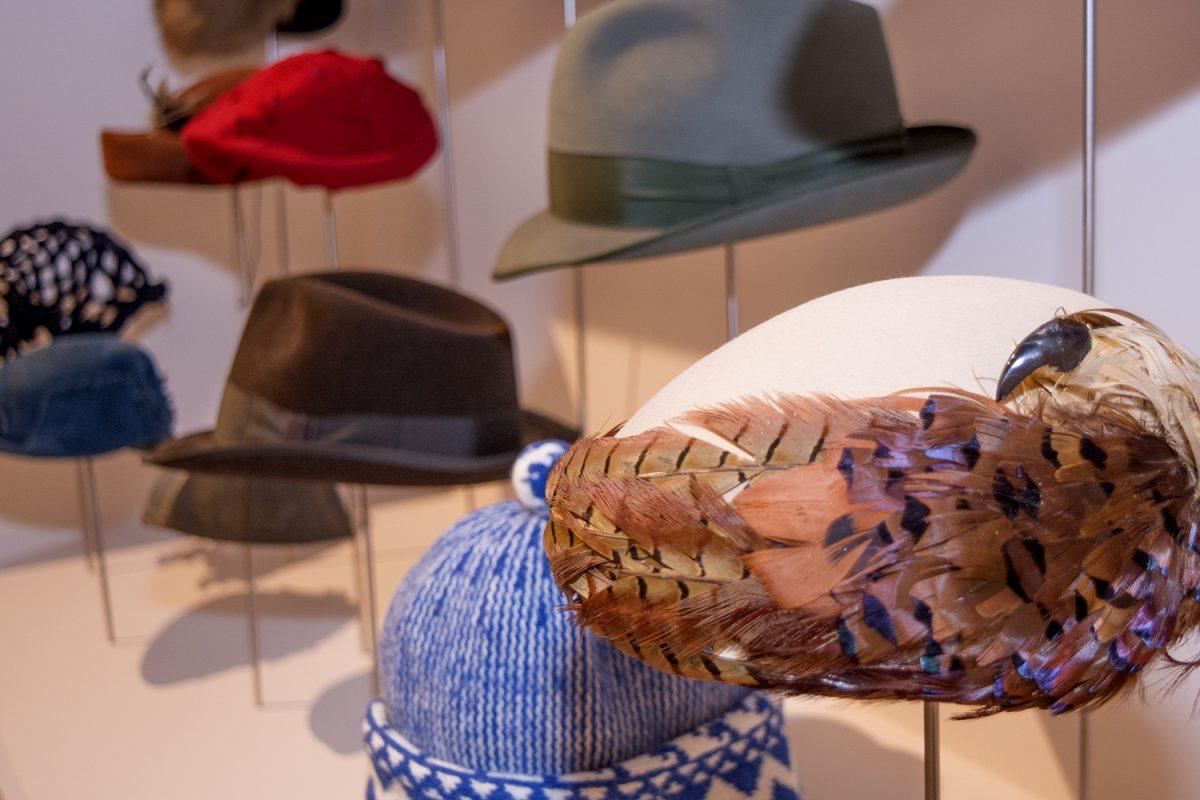 """""""Kapelusze z głów! Unikatowa kolekcja z Muzeum Novojiczynskiego"""" (źródło: materiały prasowe organizatora)"""