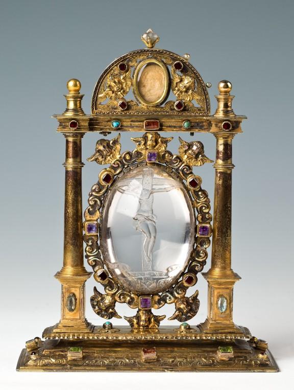 Ołtarzyk przenośny biskupa Andreasa von Jerin ( 1585–1596 ), Paul Nitsch, Wrocław 1586, złoto kute, odlewane, rytowane, kameryzacja, kryształ górski, fot. Arkadiusz Podstawka (źródło: materiały prasowe organizatora)