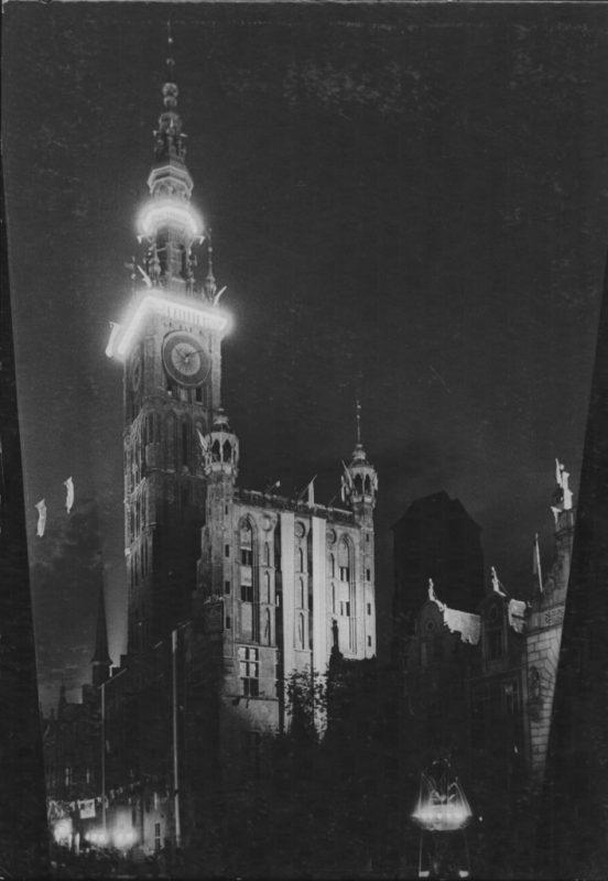"""Edmund Zdanowski, """"Iluminowany Ratusz"""", fot. © Muzeum Narodowe w Gdańsku (źródło: materiały prasowe organizatora)"""
