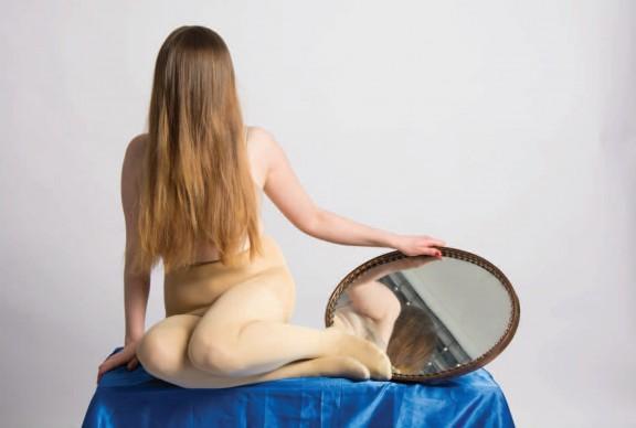 """Małgorzata Amarowicz, """"Poradnik Dobrego Wyglądu 2"""", 2016, fotografia cyfrowa, 100×70cm (źródło: materiały prasowe organizatora)"""