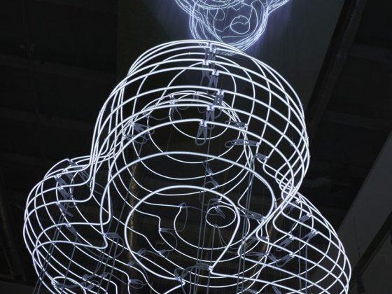 "Thorsten Goldberg, ""Neon Cumulus"", 2011 (źródło: materiały prasowe organizatora)"