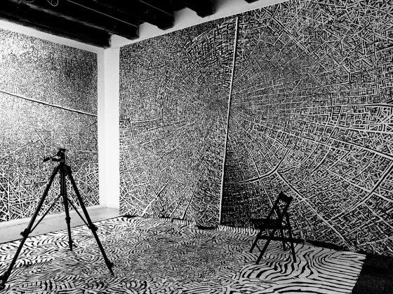"""Witold Liszkowski, """"Struktury osobiste"""", Galeria Miejska we Wrocławiu, 2005 (źródło: materiały prasowe organizatora)"""