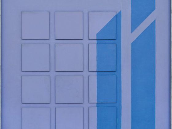 """Henryk Stażewski(1894–1988),""""Relief nr 29"""",1973; akryl, blacha, pilśnia; 60 x 60; wł. Muzeum im. Jacka Malczewskiego w Radomiu, fot. Marcin Kucewicz (źródło: materiały prasowe organizatora)"""