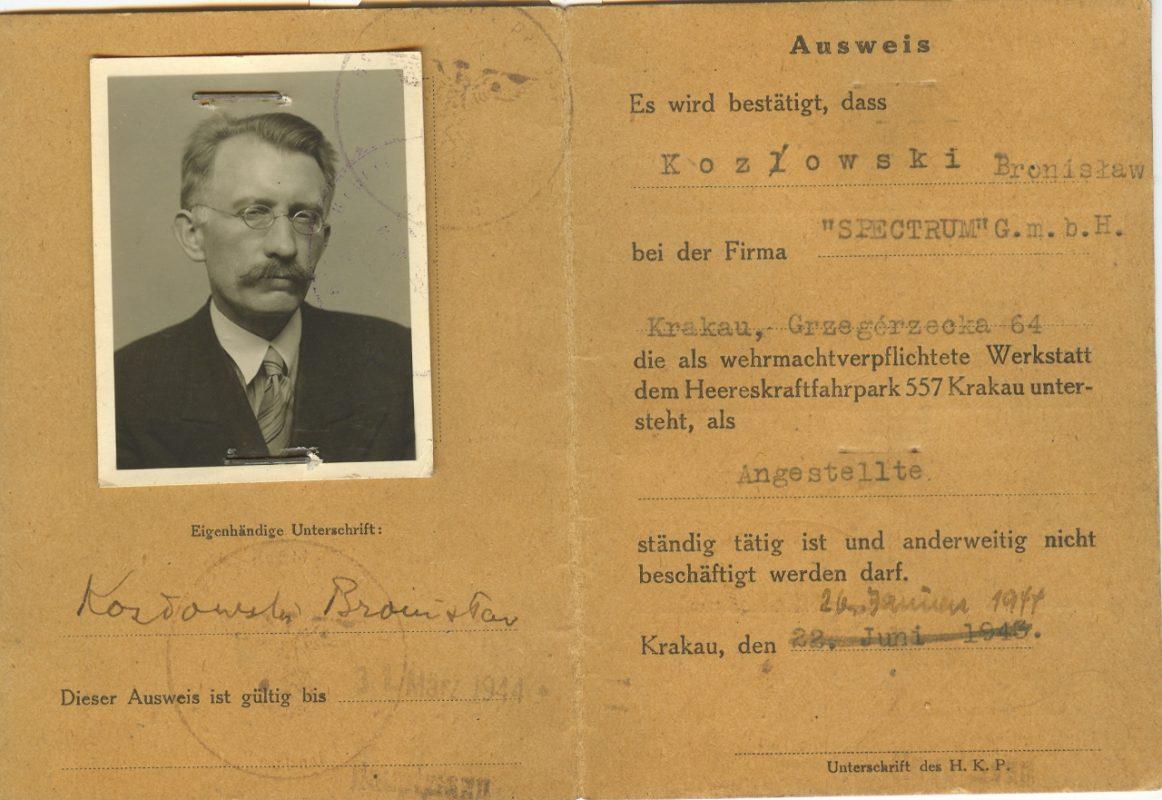 Fałszywy Personalausweiss Tadeusza Seweryna na nazwisko Bronisław Kozłowski, po 1941, wł. MHK (źródło: materiały prasowe organizatora)