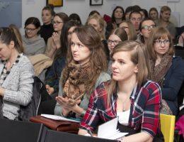 Wykład na Zaprojektowanych – Krakowskich Spotkaniach z Dizajnem, fot. Anna Zborowska (źródło: materiały prasowe organizatora)