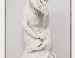 "Gert Jan Kocken, ""Monkey with a boy"", Meissen, Werner's Collection, Berlin, 2009 (źródło: materiały prasowe organizatora)"
