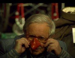 """Rozmowa z Jackiem Wekslerem o przygotowaniu do """"Kartoteki rozrzuconej"""", kadr z filmu Elżbiety Sitek (źródło: materiały prasowe organizatora)"""