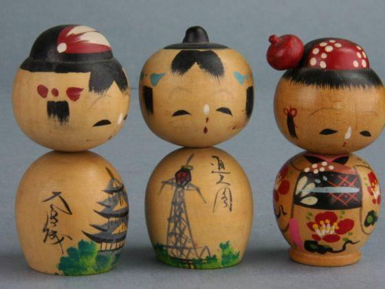 Lalka kokeshi kindai ningyō. Poł. XX w. Ze zbiorów Muzeum Lalek w Pilźnie fot. Włodzimierz Bohaczyk (źródło: materiały prasowe organizatora)