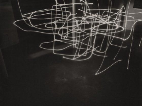 """Antoni Mikołajczyk, """"Space and light 4"""", fotografia, ok. 1995 (źródło: materiały prasowe organizatora)"""