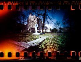 """""""Umierający cmentarz"""", fot. Roman Baran (źródło: materiały prasowe organizatora)"""