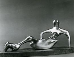 """Reclining Figure"", 1985 (źródło: materiały prasowe organizatora)"