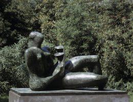 """""""Reclining Mother and Child"""", 1974–76 (źródło: materiały prasowe organizatora)"""