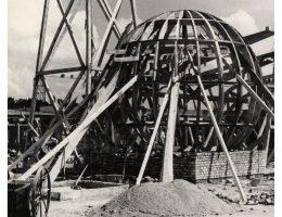 Pawilon Centrali Handlowej Przemysłu Chemicznego w trakcie budowy, autor fotografii nieznany, 1948 rok, Archiwum Akt Nowych w Warszawie (źródło: materiały prasowe organizatora)