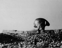 """Krystian Jarnuszkiewicz, """"Pejzaż"""", pierwsza połowa lat 1960, fot. z archiwum Anny i Krystiana Jarnuszkiewiczów, dzięki uprzejmości galerii Pola Magnetyczne (źródło: materiały prasowe organizatora)"""
