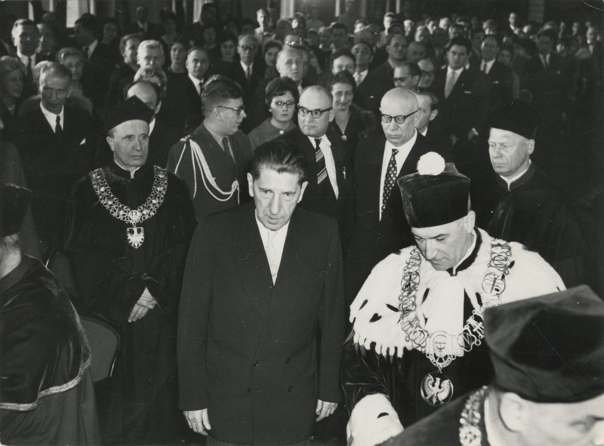 Uroczystość wręczenia tytułu doktora honoris causa Akademii Medycznej, 1961, fot. archiwum ZniO (źródło: materiały prasowe organizatora)