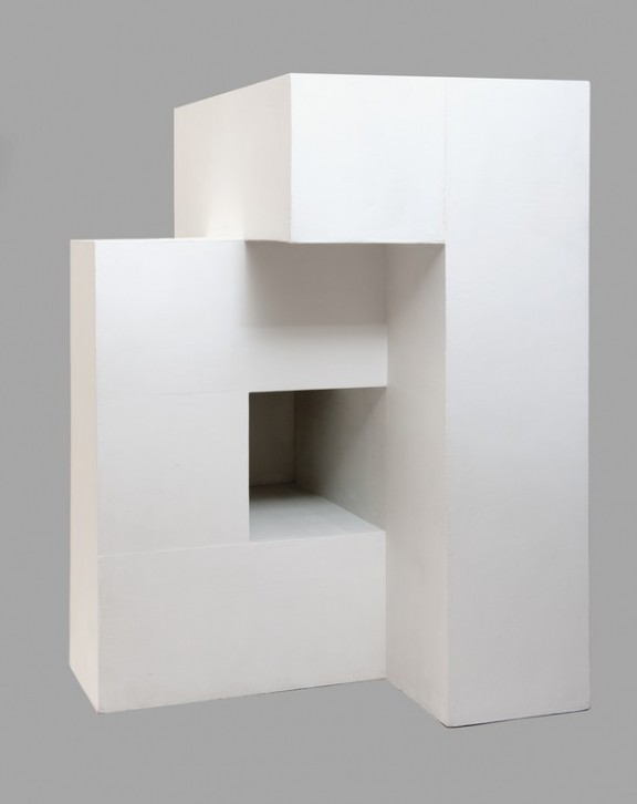 """Lech Tomaszewski, Litera """"A"""". Model powierzchni jednostronnej, , 1963, kolekcja Muzeum ASP w Warszawie (źródło: materiały prasowe organizatora)"""