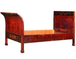 Łóżko w stylu biedermeier, ok. 1820 – 1830. Śląsk(?), zbiory Muzeum Narodowego we Wrocławiu (źródło: materiały prasowe organizatora)