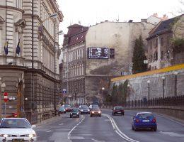 Banner biura podróży, Soczewka na ulicach Bielska Białej, 2007, fot. z archiwum artysty (źródło: materiały prasowe organizatora)