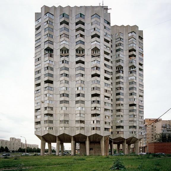 Nicolas Grospierre, Blok mieszkalny, Sankt Petersburg, Rosja, 2007 (źródło: materiały prasowe)