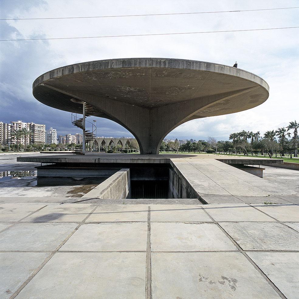Nicolas Grospierre, Muzeum kosmosu i lądowisko dla helikopterów, Międzynarodowe tereny targowe, Tripoli, Liban, 2010 (źródło: materiały prasowe)
