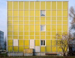 Nicolas Grospierre, Żółty blok, Warszawa, Polska, 2005 (źródło: materiały prasowe)