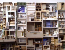 Katarzyna Józefowicz, Habitat, 1993–1996, instalacja, papier, klej, wymiary zmienne, praca z Kolekcji II Galerii Arsenał, Białystok (źródło: materiały prasowe)